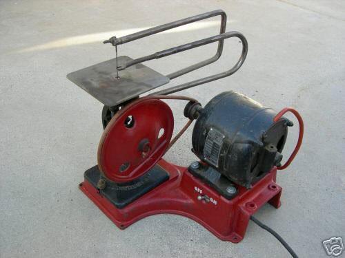 Станок-лобзик с приводом от электродвигателя
