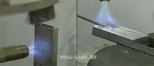 Пайка алюминия: разрушение оксидной пленки щеткой и плавление припоя на второй детали (затем нужно обработать щеткой как первую деталь)