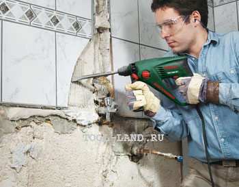 Откалывание плитки перфоратором в режиме удара без сверления