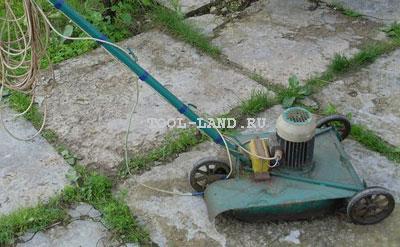 Самодельная газонокосилка с откидыванием срезанной травы