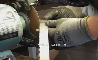 Зачистка ленточной пилы после сварки