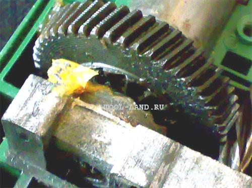 Ударный механизм ударной дрели